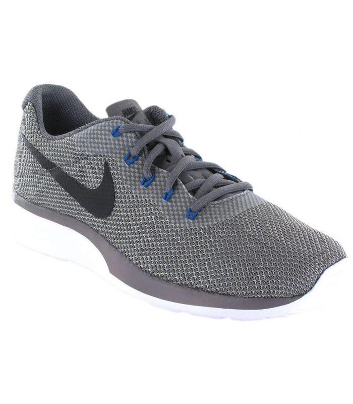 newest e4f7e 0edc3 Scarpe stile di vita Nike Tanjun Racer Grigio-Blu per gli uomini dispongono  di un design morbido e traspirante che offre maggiore comfort per tutto il  ...